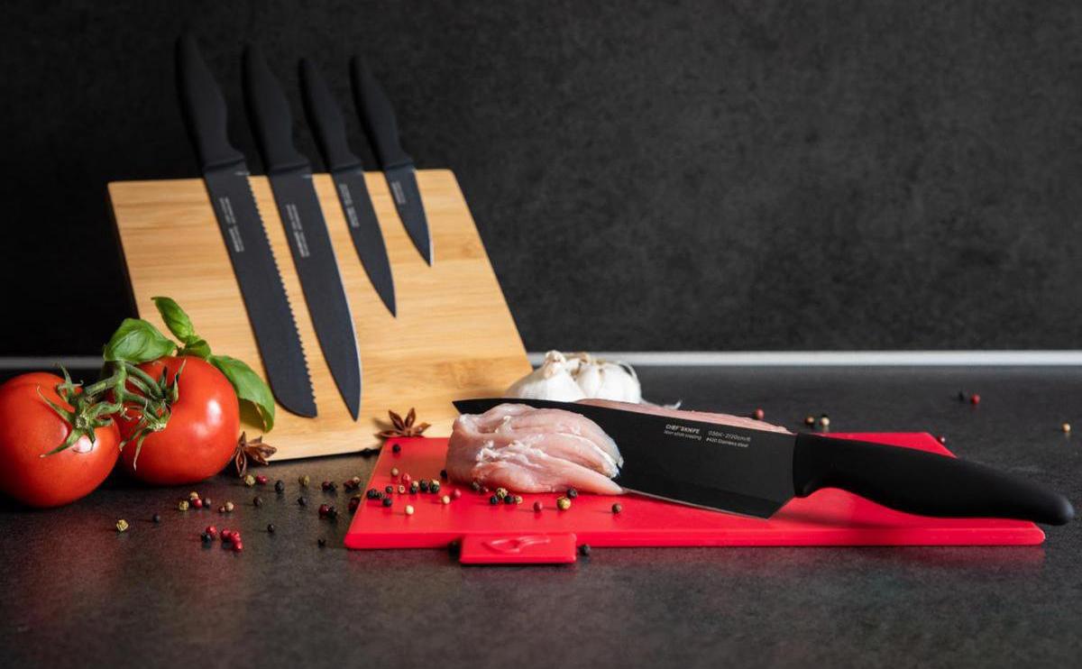 Smile SNS-4 Tacoma Juego de 5 cuchillos de cocina de acero inoxidable con recubrimiento antiadherente, bloque madera magnético plegable linea moderna